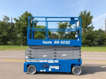 Genie 3232 electric scissorlift Refurbished - Warranty