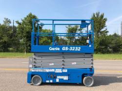 Genie 3232 electric scissorlift Refurbished - Warranty