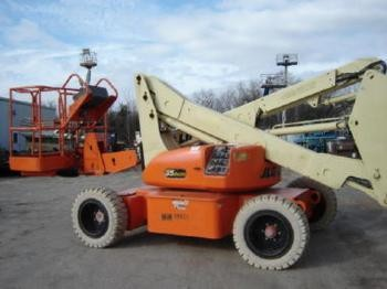 JLG Electric Knuckle Booms