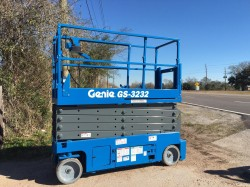 GENIE 3232 electric scissorlift - Refurbished