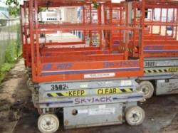Skyjack 3015 Compact Scissor Lift