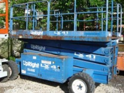 2000 UpRight LX41 4X4 Scissor Lift