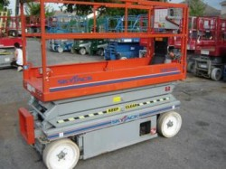 Skyjack 3220 Electric Scissor Lift